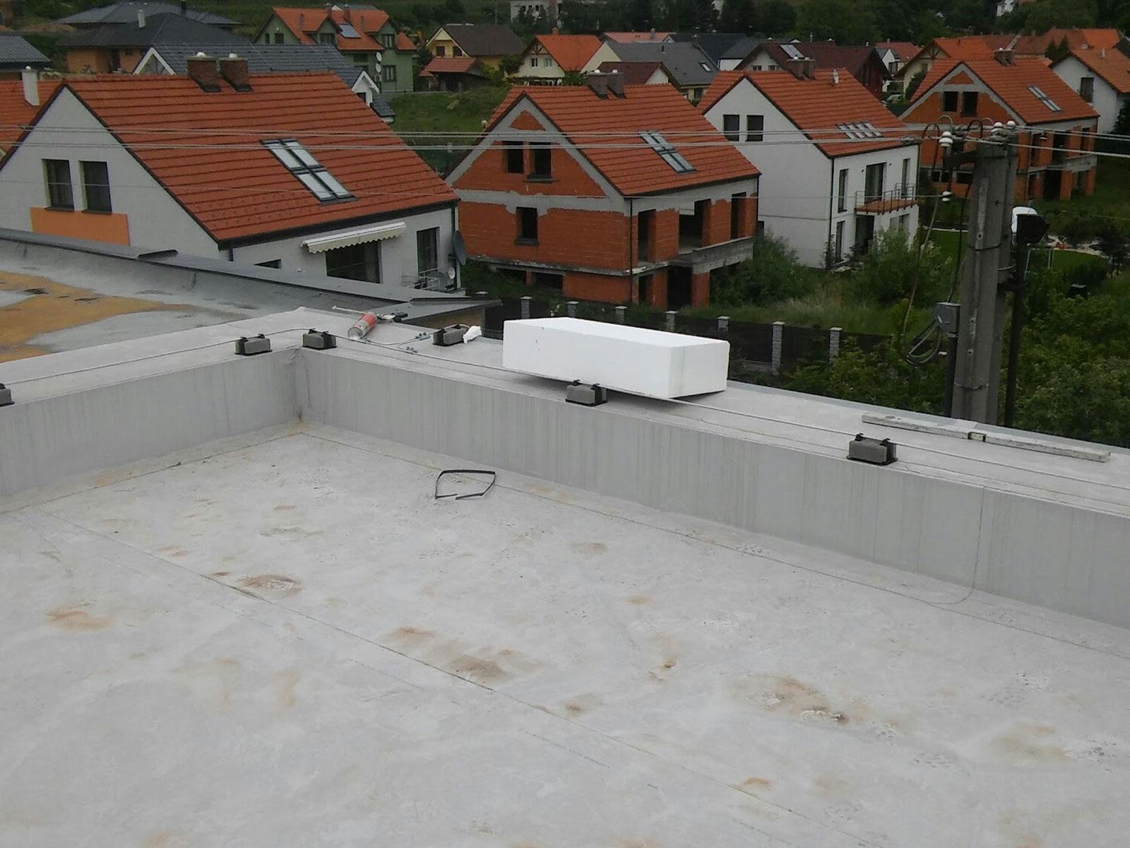 Rovná strecha RD Modra